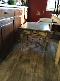 Newly painted and distressed end table for living room or family room  Vernon Hills, 60061