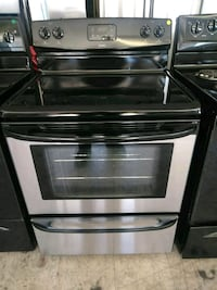 stainless steel and black induction range oven Laredo, 78040