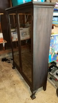 Antique bookcase with adjustable shelves