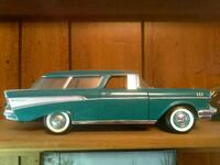green and white classic coupe die-cast model Merrill, 48637