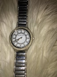 Round sliver Micheal Kors analog watch with link bracelet
