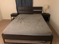 Brown wooden bed frame + 2 night stands Stafford, 22554