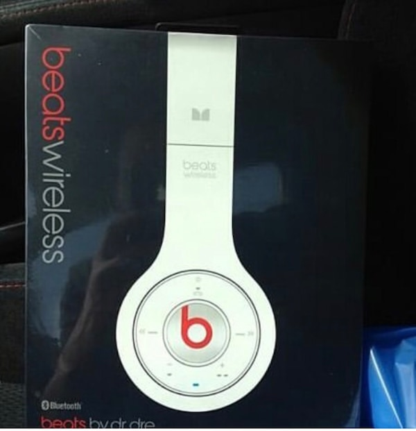White Beats by Dre