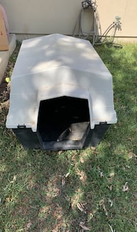 Dog house---free!!! New Braunfels, 78130