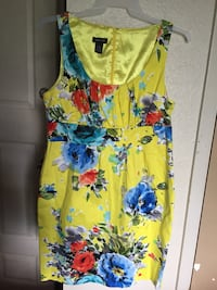 women's yellow and blue floral sleeveless dress Dallas, 75232