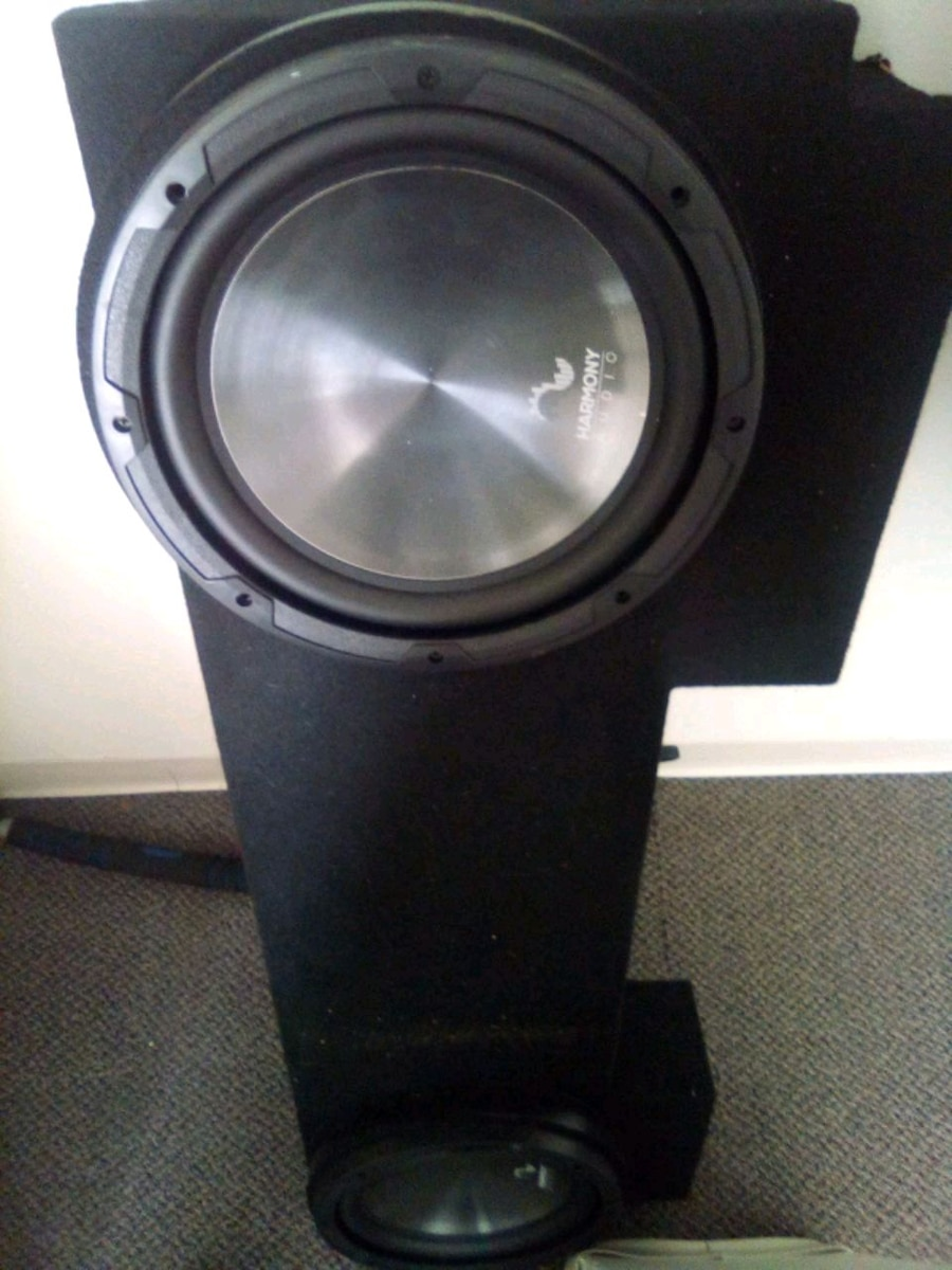 Photo Truck 12 subs special made $200 kicker amp and pioneer radio $100