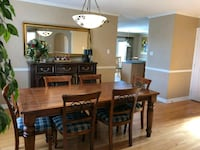 Heavy duty Dining table and chairs Richmond Hill, L4C 9P2
