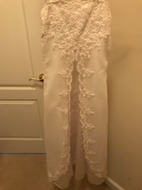 David's Bridal Young Girl dress size 10 Bristow, 20136