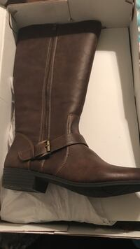 Size 10 m wide calf natural soul boots