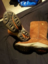 NEW. MERRELL boots Cambridge, N3H 4L9