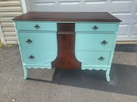Antique dresser Ashburn