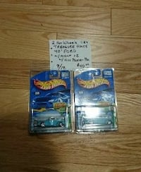 two Hot wheels cars die-cast scale model with packs
