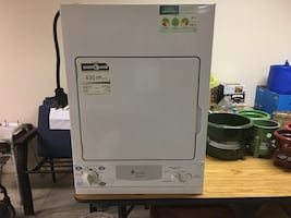 Dryer    GE.     Good condition