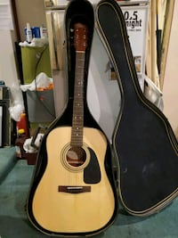 Squier Acoustic with case