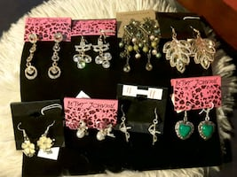25$ FOR 8 PAIR OF GLORIAIOUS NEW Earrings NEW all Quality Material