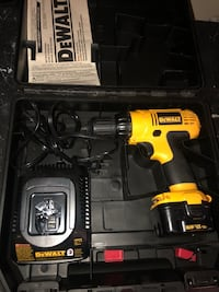 Dewalt drill needs battery  Las Vegas, 89103