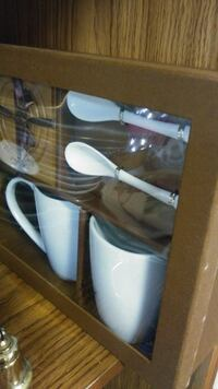 white ceramic mus with spoon and saucer set in box Farmington, 48336