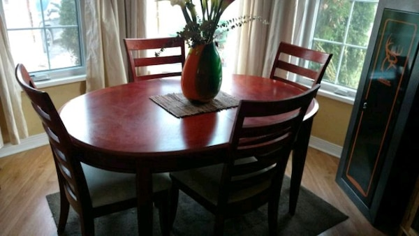 Used Dining Room With Hutch Expandable Insert 6 Chairs For Sale In Barrie