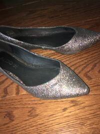 Pair of gray glittered peep-toe heeled shoes Richmond Hill, L4C 9N9