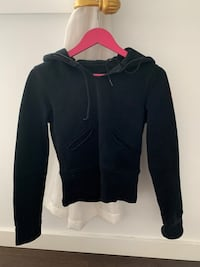 Lululemon sweater/pull on