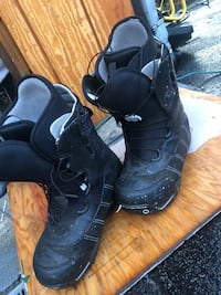 Burton snow board boots size 11 Snohomish, 98290