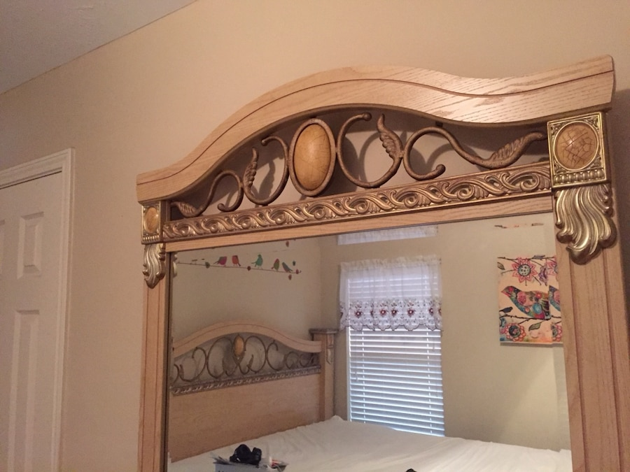 Used King Size Bedroom Set In Houston
