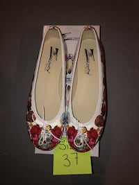 Leather flats from italy size 37 Kleinburg, L0J 4T2