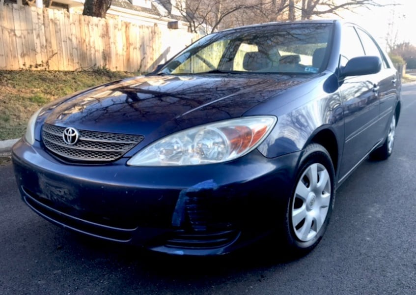 2002 Royal Blue TOYOTA Camry great on gas 340de1df-bf8a-4924-9388-238c2a5314e8
