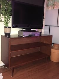 Mid century modern Tv stand Woodbridge, 22193