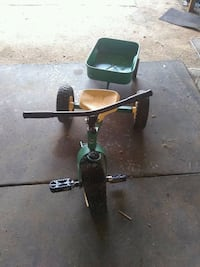 John deer tricycle with trailer Peyton, 80831