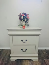 Newly restyled Night stand  Toronto, M4B 2A1