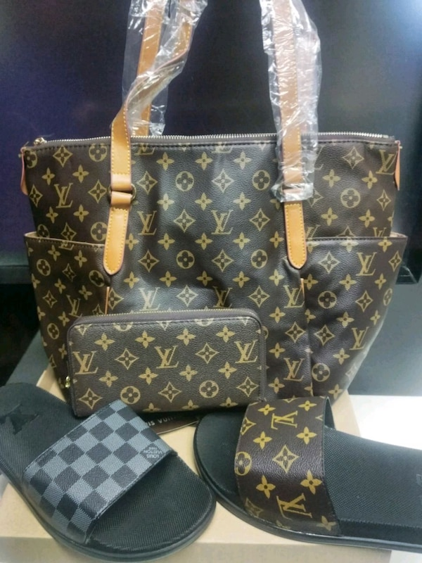 69c2d84daf8e Used New Louis Vuitton Purse and Wallet and sandals for sale in  GRYMR-DEVNDLE - letgo
