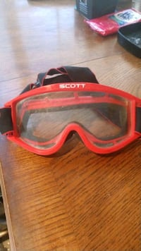 Motorcycle goggles, scroll pictures Santa Clarita, 91351