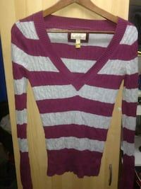 AMERICAN EAGLE sweater Surrey, V3R 3L6