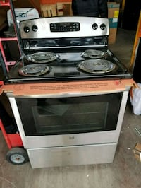 GE. 30INCH STAINLESS STEEL ELECTRIC STOVE  Barrie, L4N 4T8