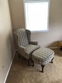 Arm Chair with foot rest  New Windsor, 12553