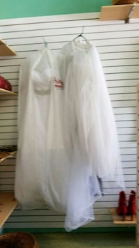 white long-sleeved dress Niagara Falls, L2E 4E4