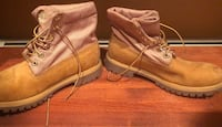 Women's size 8 or 9 timbs Anchorage, 99504