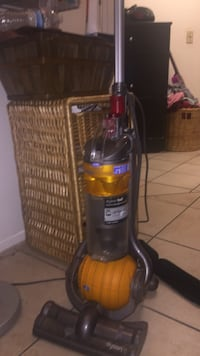 black and red Bissell upright vacuum cleaner San Diego, 92105