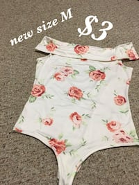 white and red floral scoop-neck shirt Southfield, 48076