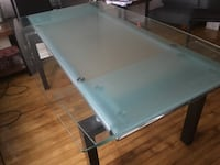rectangular clear glass-top with brown wooden base table Montréal, H3S