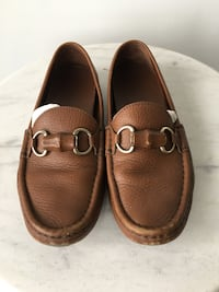 Gucci brown leather loafers. Size 7