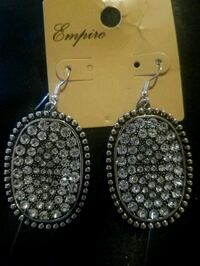 pair of silver-colored dangling earrings Corpus Christi, 78412