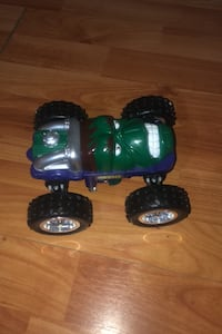 Hulk Toy car flipper with two extra car toys