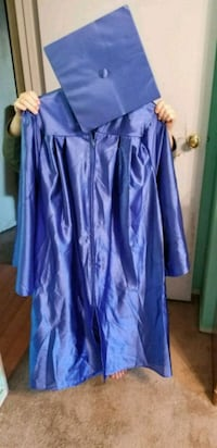 Cap and gown Madera, 93637