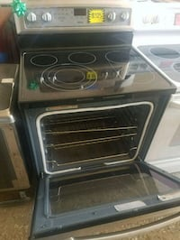 Electric stove working perfectly  Baltimore, 21223