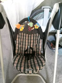 baby's black and gray Graco swing chair Audubon, 08106
