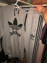 Full adidas sweatsuit hoodie and joggers Toronto, M9R 2L1