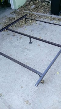 Bed frame size full/twin  Omaha, 68132