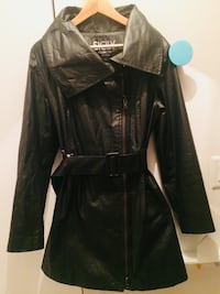 Sicily Rain Coat, good as new for sale, Plateau Montreal  Montréal, H3L 2B8